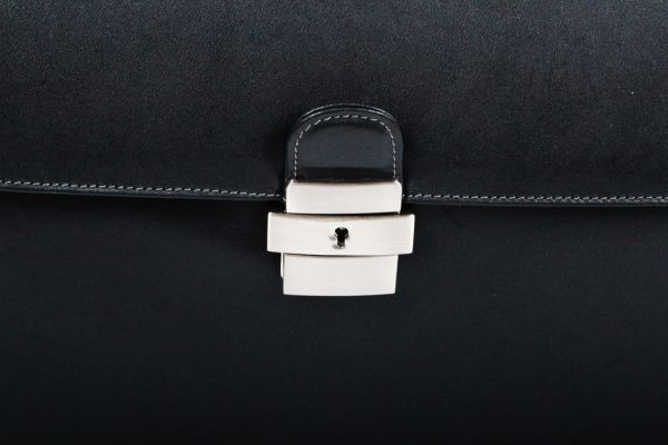 Cartable porte-ordinateur 1 soufflet Gérard Hénon en cuir de vachette lisse souple GH 2631 - Noir - Fermoir